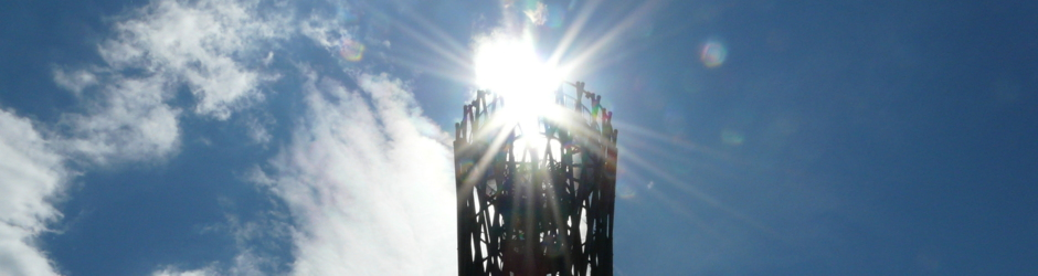 Lörmecketurm im Sonnenlicht